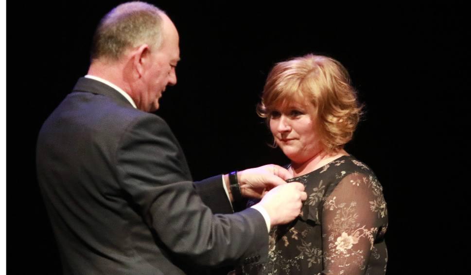Film do artykułu: Liliana Olech uhonorowana medalem Gloria Artis [ZDJĘCIA, WIDEO]