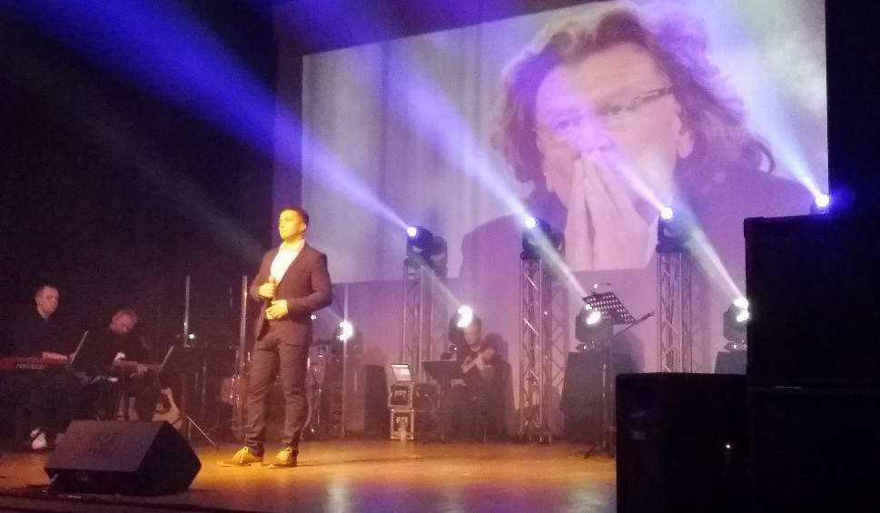 Film do artykułu: Święto Miasta Jędrzejowa. Artyści zaśpiewali piosenki Zbigniewa Wodeckiego (WIDEO, ZDJĘCIA)