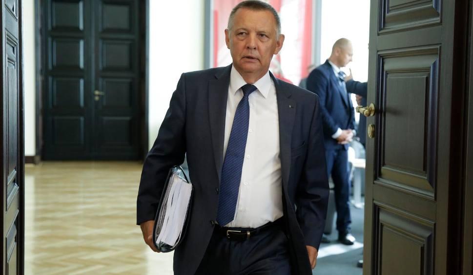 Film do artykułu: Grzegorz Schetyna domaga się dymisji szefa NIK. Marian Banaś zapowiada pozew