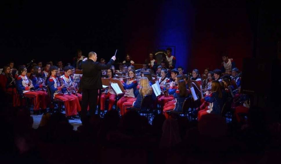 Film do artykułu: Radom. Orkiestra Grandioso zagrała w Oratorium. Był to kolejny koncert noworoczny orkiestry dużej i małej