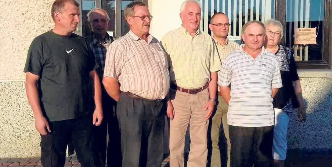 Mieszkańcy gminy Lubenia są oburzeni działaniami prezesa GS. - Niszczy spółdzielnię - mówią.
