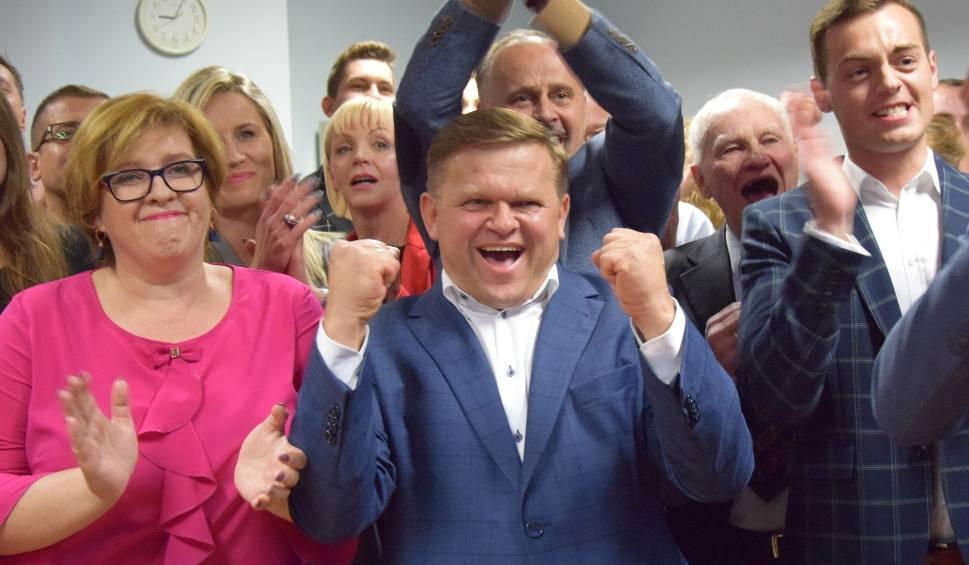 Film do artykułu: Wybory samorządowe 2018 w Radomiu. Wieczór wyborczy Prawa i Sprawiedliwości. Wojciech Skurkiewicz: dziękuję za już i proszę o jeszcze