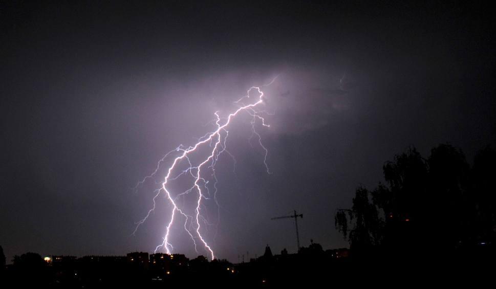 Film do artykułu: Sprawdź, gdzie jest burza i grzmi. Radar burzowy - Opole i Opolszczyzna [30.07.2019]