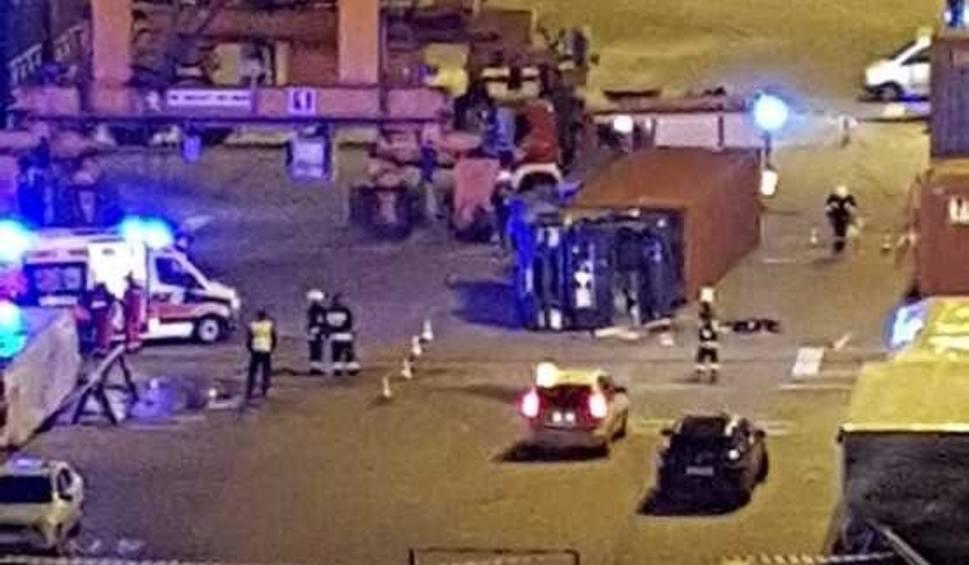 Film do artykułu: Tragedia w porcie w Gdyni. W terminalu kontenerowym zginął kierowca ciężarówki