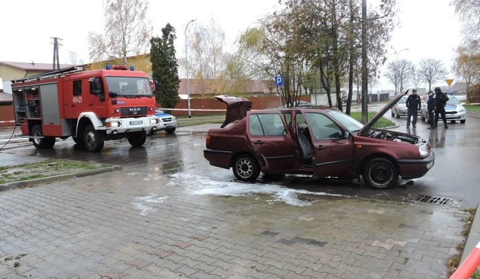 Film do artykułu: ARiMR. Podpalacz agencji usłyszał zarzuty. Najpierw spalił auto (zdjęcia, wideo)