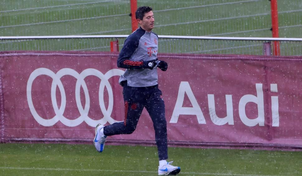 Film do artykułu: Liga Mistrzów. Lewandowski zagrzewa kolegów do boju. Gwiazdor Bayernu nagrał specjalny film przed rewanżowym meczem z Paris Saint-Germain