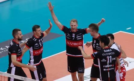 Resoviacy po dwóch porażkach z Zaksą i Skrą, pokonali mocne Jastrzębie. MVP został Jakub Jarosz.