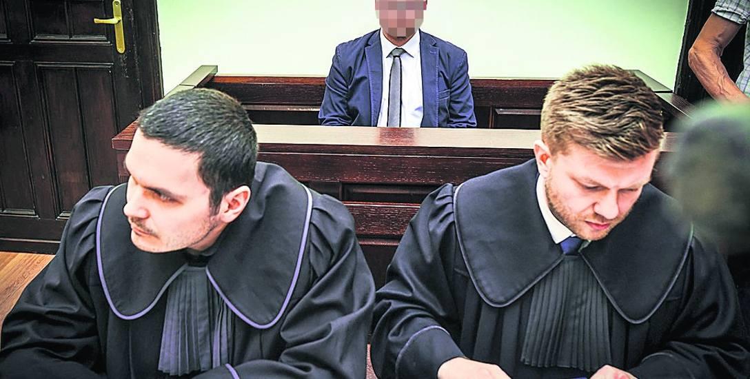 Były bydgoski radny jest oskarżony o znęcanie się nad żoną.