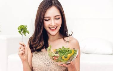 W sałatkach, które mogą pełnić rolę głównego dania, idealnie odnajdą się mieszanki sałat