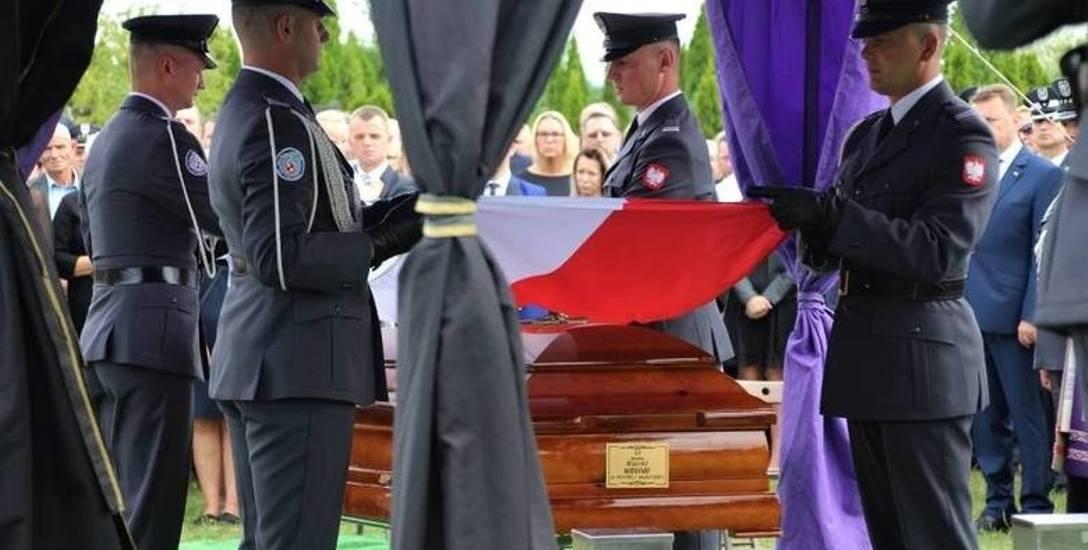 Pogrzeb tragicznie zmarłego por. pil. Krzysztofa Sobańskiego