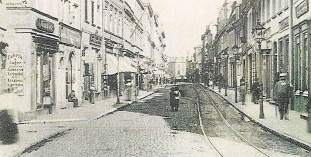 """Nalewki były główną ulicą żydowskiej Dzielnicy Północnej w Warszawie. """"Bydgoskimi Nalewkami"""" nazwano ul. Długą."""