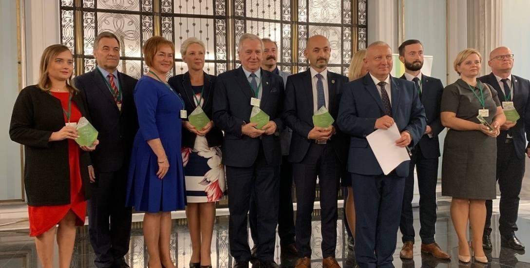 Burmistrz Robert Wardziński odebrał nagrodę przyznaną Gminie Choroszcz jako Nowemu Liderowi w zakresie profilaktyki grypy.