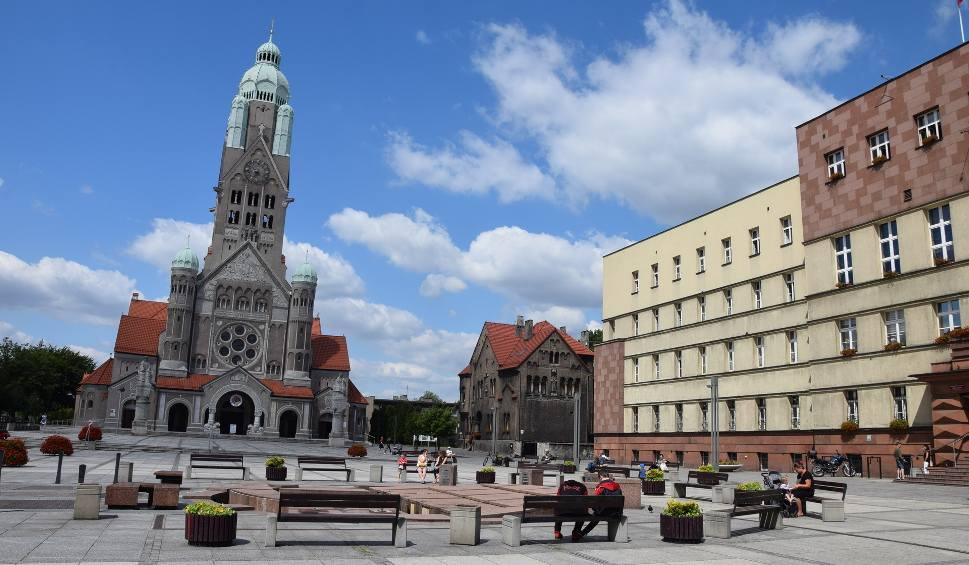 Film do artykułu: Ruda Śląska bez nowych zakażeń koronawirusem, a przecież jest w czerwonej strefie strefie. O co tu chodzi?