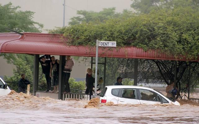 Australia: Ulewy gaszą pożary buszu, ale grożą powodziami [ZDJĘCIA] [WIDEO] Setki interwencji ratowników