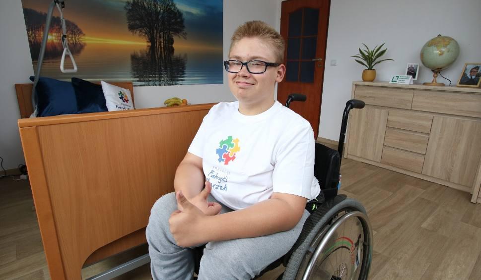 Film do artykułu: Fundacja Fabryki Marzeń znów odmieniła życie Marcina z Umru w gminie Zagnańsk. Chłopiec dostał wyśniony pokój (WIDEO, ZDJĘCIA)