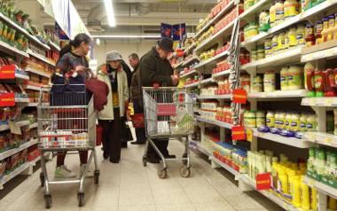 Konsumenci lubią zakupy w dni dla nich wolne od pracy, m.in. dlatego, że nie muszą się wtedy spieszyć i bardziej kupują z głową.