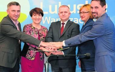 Podpisanie umowy na zakup dwóch nowoczesnych pociągów w Urzędzie Marszałkowskim w Zielonej Górze