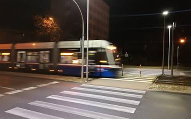 Więcej światła na przejścia dla pieszych - rekomenduje Generalna Dyrekcja Dróg Krajowych i Autostrad