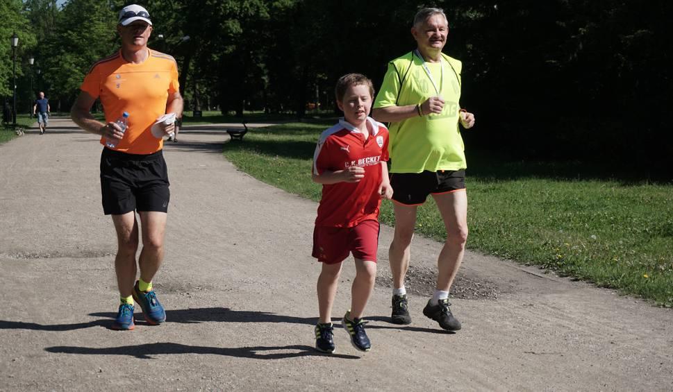 Film do artykułu: Parkrun Łódź w parku Poniatowskiego - 27 maja 2017 r. [ZDJĘCIA, FILM]