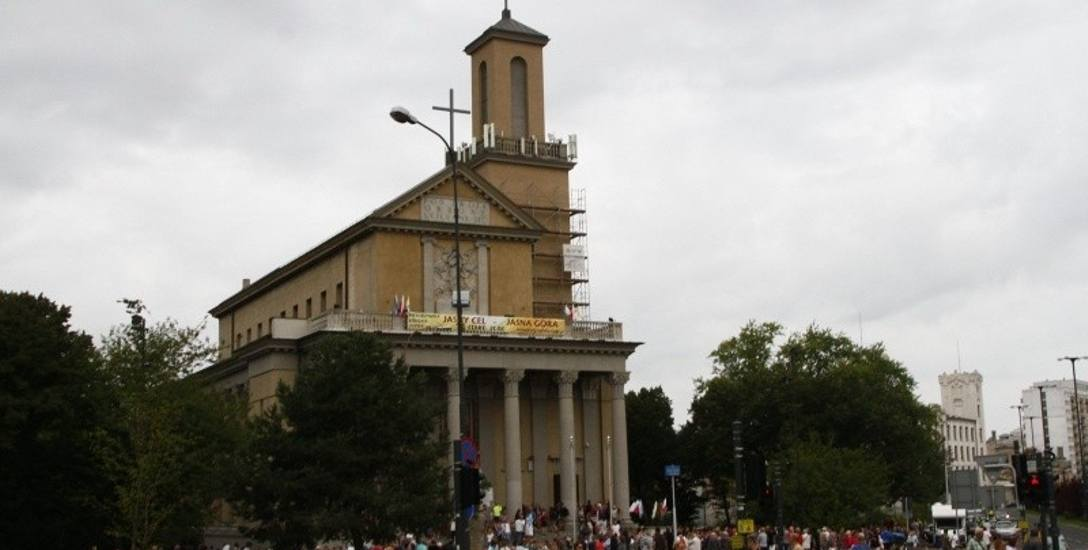 Łódzka pielgrzymka wyruszyła na szlak z kardynałem i arcybiskupem