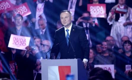 Andrzeja Dudę, kandydata PiS na prezydenta, częściej popierają mężczyźni (56,4 proc.). I niemal w całości są to wyborcy PiS-u (94,5 proc. pytanych, którzy