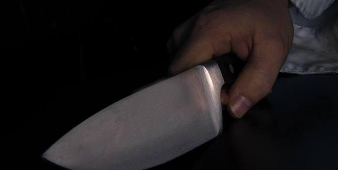 - Chwyciłam tę dłoń, pomyślałam, że to młoda osoba, ta skóra była taka delikatna - mówi kobieta, która przeżyła napad na sklep.