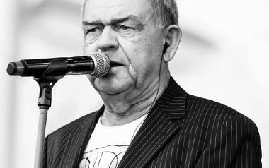 Piotr Nowak z muzyką związany jest od dziecka. Uczył się gry na mandolinie i gitarze. Przez kilka lat grał w zespołach Tadeusza Nalepy