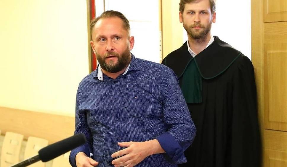 Film do artykułu: Kolizja pijanego Kamila Durczoka. Prokuratura złożyła zażalenie do sądu w sprawie aresztu