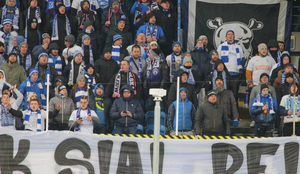Film do artykułu: Lech Poznań: Kibice na meczu z Lechią Gdańsk wywiesili transparent i... sprowokowali Indonezyjczyków. Kolejorz zaatakowany w sieci!