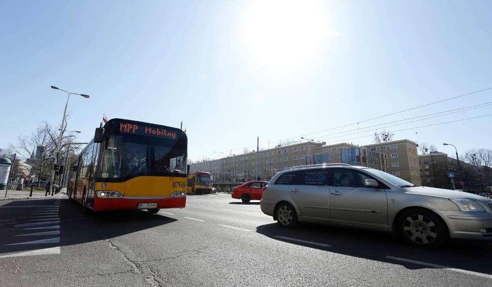 Film do artykułu: Wypadek autobusu w Warszawie: PiS zapowiada kontrolę poselską w spółce Arriva i apeluje do Trzaskowskiego. Ratusz zawiesił umowę z firmą