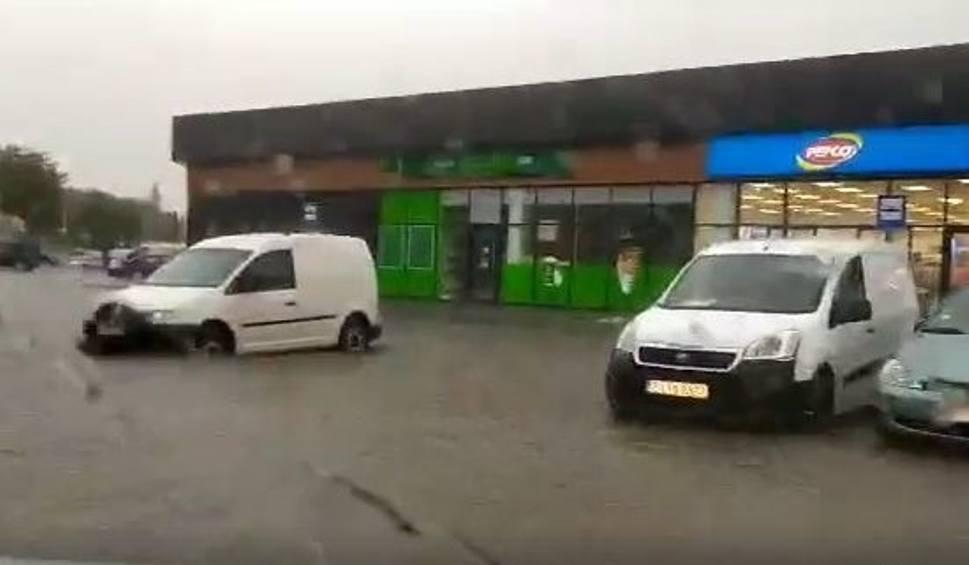 Film do artykułu: Potężne burze w regionie. Siemiatycze już pod wodą (wideo, zdjęcia)