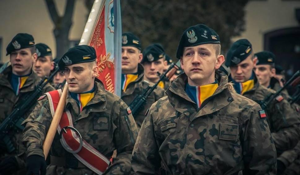 Film do artykułu: Nasi żołnierze wrócili do domów po półrocznej misji [ZDJĘCIA]
