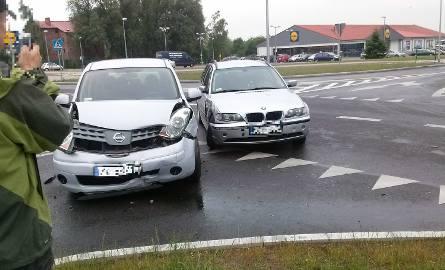 Wypadek, do którego doszło na skrzyżowaniu ul. Śniadeckich i Langego w Koszalinie.