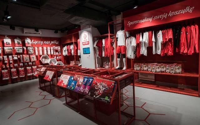 107e383e4 oficjalny sklep reprezentacji polski. To miejsce w Warszawie musisz  odwiedzić przed mistrzostwami świata!