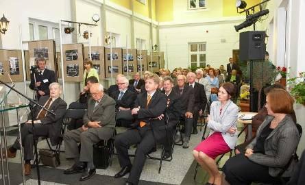 Pół wieku ostrołęckiej Celulozy - konferencja w muzeum i wystawa fotografii (zdjęcia)