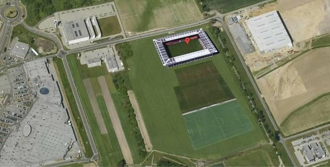 Stadion planowany jest na terenie położonym pomiędzy ulicami Wrocławską, Północną i  Technologiczną, czyli w pobliżu Parku Naukowo-Technologicznego oraz