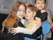 Marysia ze starszą siostrą Elą i bratem bliźniakiem Arkiem