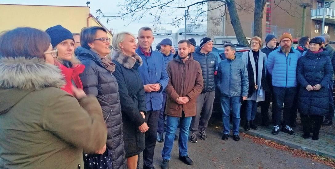 Z mieszkańcami spotkali się prezydent Anna Mieczkowska oraz wicestarosta Jacek Kuś