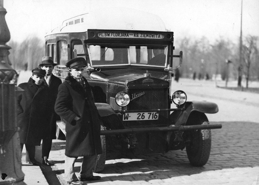Autobus na podwoziu Ursus AW.