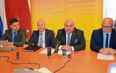 Szefostwo szpitala i zarząd powiatu deklarują, że wszystkie zarobione pieniądze będą zainwestowane