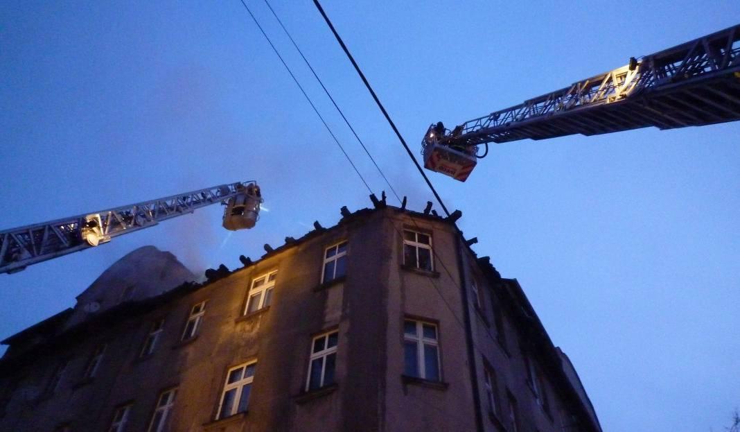 Pożar W Mysłowicach Prokuratura Podejrzewa Zaprószenie Ognia