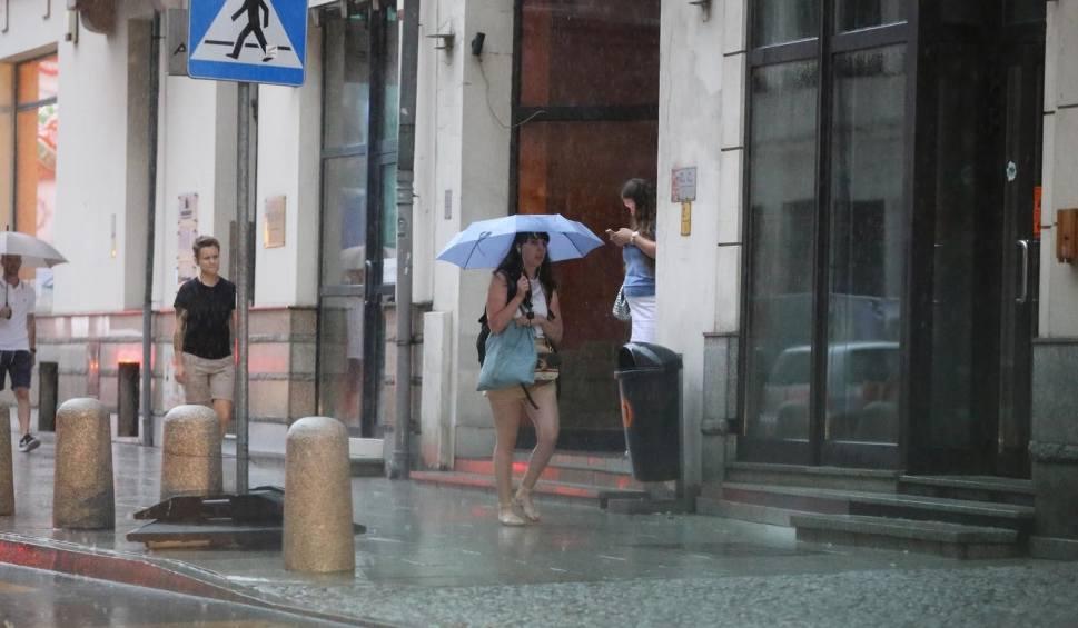 Film do artykułu: Pogoda na Podkarpaciu. Ostrzeżenie przed burzami, gradem i silnym wiatrem [27.07]