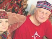Elżbieta i Andrzej Lisowscy mimo tego co przeżyli, nie przestają się uśmiechać, bo mają przyjaciół