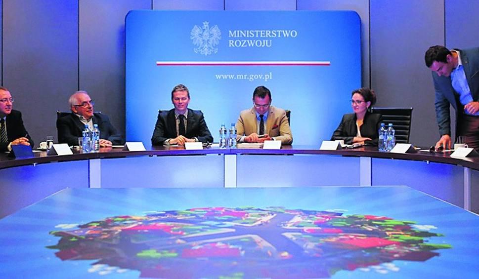 Film do artykułu: Średnia w górę. Resort Morawieckiego chce wspierać rozwój miast