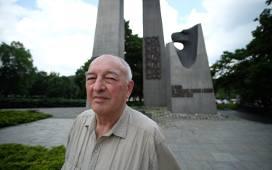 Jerzy Grabus był czynnym uczestnikiem Powstania Poznańskiego. Groziła mu nawet kara śmierci