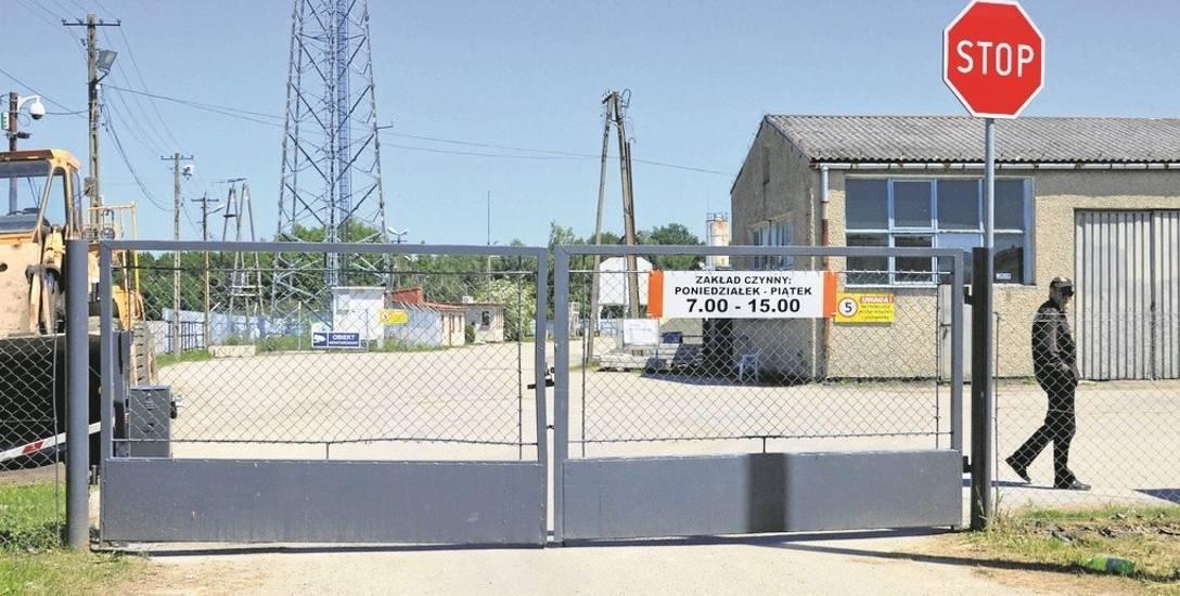 Brama do siedziby zakładu przy ul. Warszawskiej jest od pewnego czasu zamknięta. Obiektu pilnuje ochrona. W planach właściciela terenu jest modernizacja