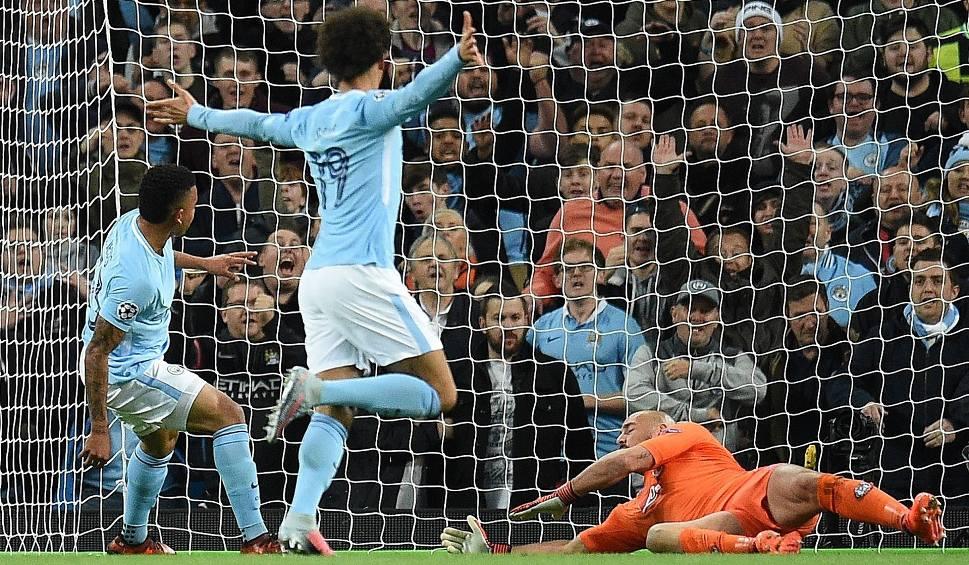 Film do artykułu: Liga Mistrzów. Mamma Mia, Manchester City! Zespół Guardioli pokonał Napoli