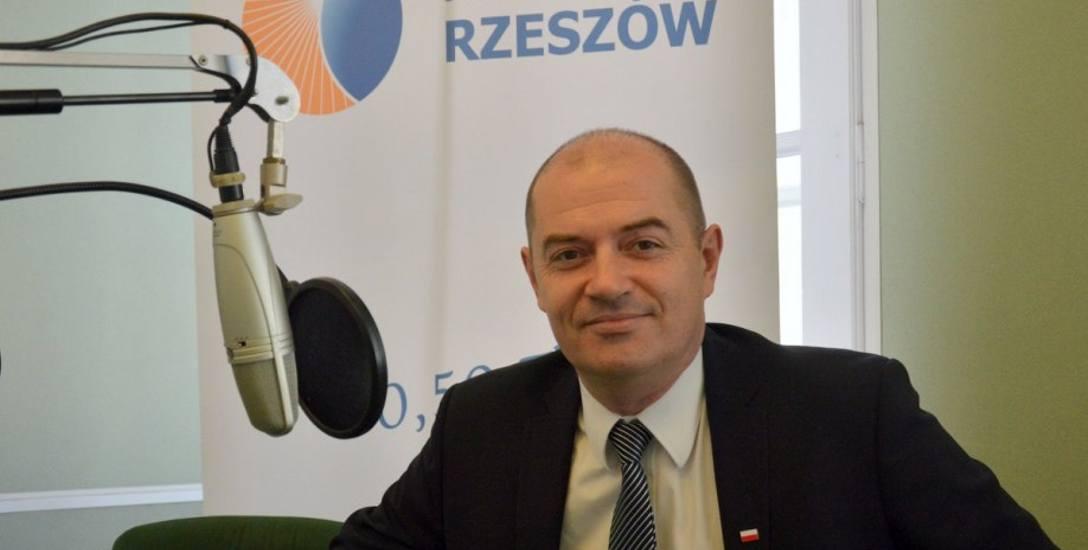 Przemysław Tejkowski: Powiedziałem kiedyś w żartach, że zrobię niezły teatr z tego radia... Ale to jest przede wszystkim radio.