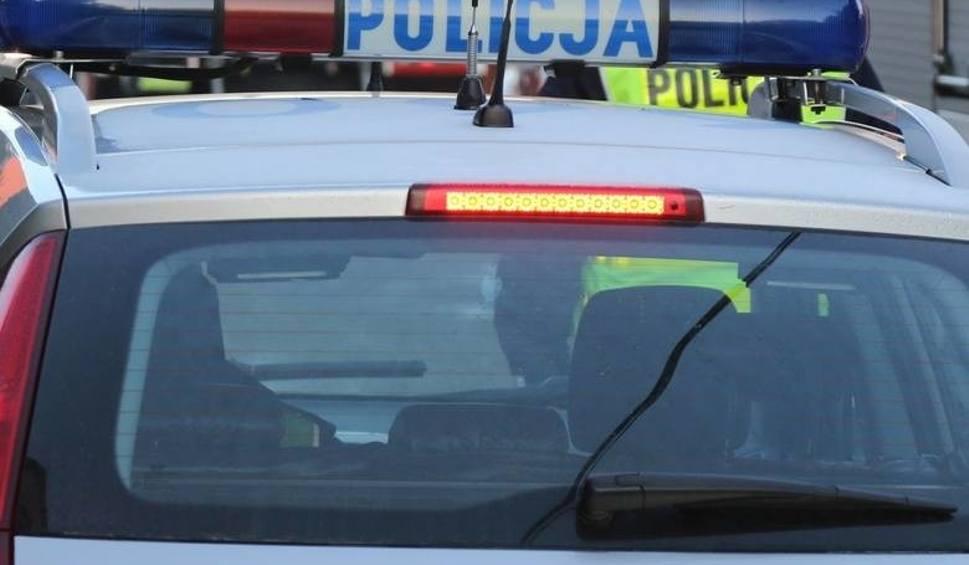 Film do artykułu: W Kazimierzy Wielkiej mężczyzna kierował mimo sądowego zakazu. Był pijany i poszukiwany