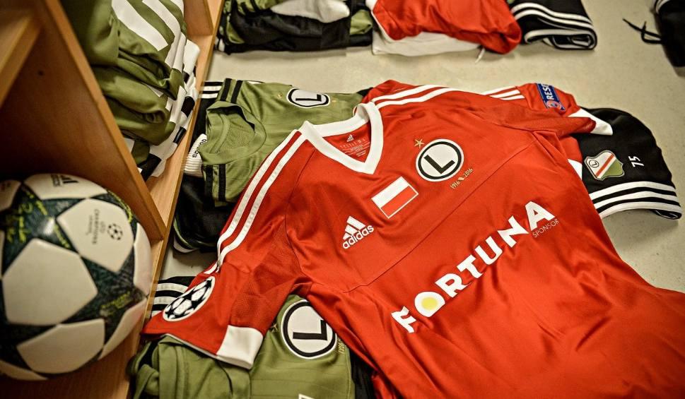 Film do artykułu: Liga Mistrzów. Legia zagra ze Sportingiem w kolorach reprezentacyjnych. Czy to pomoże?
